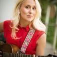 """Artisten och låtskrivaren Frida Andersson släpper den 29 januari låten """"Bara för att jag älskar"""". Under 2015 var Frida aktuell i samarbeten med bland andra Bo Kaspers Orkester, Linda Lampenius […]"""