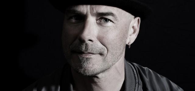 Kaj Pousar är känd för sina starka melodier och låttexter som är självbiografiska med en hög igenkänning. Nu är han aktuell med nya singeln Mörkret som är producerad av Samuel […]